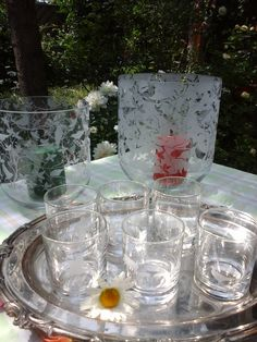 self-made whisky glasses and hurricane glasses for an enjoyable barbecue