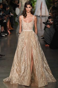 Runway / Elie Saab / Paris / Frühjahr 2015 HC / Kollektionen / Fashion Shows / Vogue