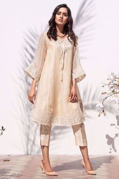 Pure organza with exquisite resham embroidery, cutwork detailing and hand embellished with tiny pearls. Comes with a grip slip. Pakistani Formal Dresses, Pakistani Fashion Party Wear, Indian Fashion Dresses, Pakistani Dress Design, Indian Designer Outfits, Pakistani Outfits, Pakistani Kurta, Eid Outfits, Wedding Outfits