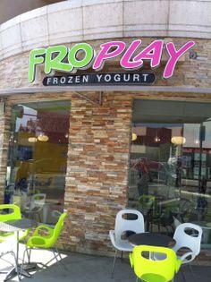 FroPlay Frozen Yogurt