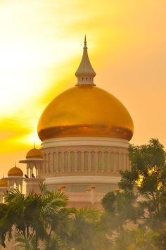 Saifuddin Mosque, Bandar Seri Begawan, Sultanate of Brunei ~ by John Crux on Islamic Architecture, Beautiful Architecture, Art And Architecture, Islamic World, Islamic Art, Beautiful Mosques, Beautiful Places, Brunei Travel, Bandar Seri Begawan