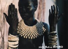 So stunning! An African necklace created by Ferouz Allali in Togo in partnership with the Togo Business Woman African Necklace, African Beads, African Jewelry, Ethnic Jewelry, Jewellery, Afro Chic, African Accessories, My Black Is Beautiful, African Design