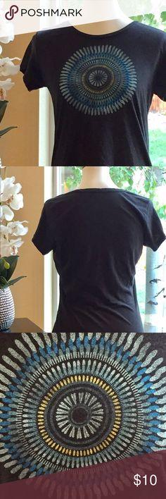 Columbia Burst Design T-shirt Heathered gray T-Shirt by Columbia, has cool burst design on front, super soft. Columbia Tops Tees - Short Sleeve