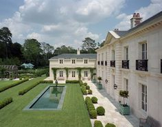 Rear Facade and Gardens, Inverness Residence, Houston, Texas Neoclassical French Provincial Garden Grounds Rear Facade Architectural Detail Patio by Curtis & Windham Architects Formal Garden Design, French Architecture, Dream Home Design, Plantation, Classic House, House Rooms, Exterior Design, Future House, Inverness