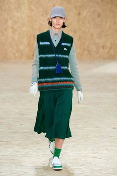Lacoste Fall 2020 Ready-to-Wear Fashion Show Lacoste Fall 2020 Ready-to-Wear Collection – Vogue Lacoste, Catwalk Collection, Fashion Show Collection, Knit Fashion, Womens Fashion, Vogue Russia, Fall Winter Outfits, Vogue Paris, Mannequins
