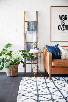 How the Southwest does minimalism. Explore the home of The New Darlings in Arizona. Domino's favorite minimalist moments are often inspired by Scandinavian homes, but Robert and Christina Martinez design a new minimalist decor.