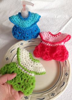 Nylon Netting Dish Scrubbies, 3 Party Dress Pot Scrubbers, Fits Over Most Soap Pumps, 3 Colors - Aprox 4 X 5 Gift For Her Quick Crochet, Love Crochet, Crochet Gifts, Beautiful Crochet, Crochet Turtle, Crochet Butterfly, Crochet Bunny, Thread Crochet, Crochet Yarn
