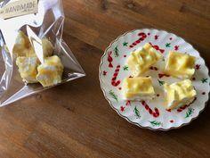 Lemon meringue fudge - My happy kitchen & lifestyle Oreo Fudge, Fudge Brownies, Macarons, Happy Kitchen, Rocky Road, High Tea, Meringue, Catering, Crockpot