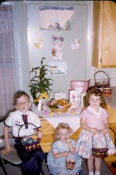 Vintage Easter. Vintage Easter, Vintage Holiday, Easter Bunny Pictures, Bunny Pics, Vintage Magazine, Vintage Girls Dresses, Easter Parade, Easter Celebration, Hoppy Easter