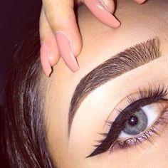 Summer 2016 Makeup Trends – Quinceanera Make-up-Trends für Sommer 2016 Eyebrows Goals, Eyebrows On Fleek, Perfect Eyebrows, Perfect Makeup, Pretty Makeup, Eye Brows, Eyebrows Grow, Shape Eyebrows, Gorgeous Makeup