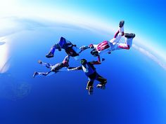 Skydiving - Circle of Four HD Wallpaper in Full HD from the Sports category. Tags: air, circle, four, skydiving Moto Cross, Rando, Full Hd Wallpaper, Recreational Activities, Sports Wallpapers, Paragliding, Before I Die, Adventure Photography, Air Show