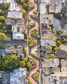 Lombard Street - San Francisco Photo by Toby Harriman