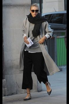 45 Stylish Fall Outfits With Cullotes fashion # fashion- Get inspired and find your own unique style for woman of all ages. Casual interesting and cool fashion. Real clothes for real women, streetwear. Mode Outfits, Winter Outfits, Casual Outfits, Fashion Outfits, Womens Fashion, Fashion Trends, Fashion Clothes, Fashion Ideas, Looks Street Style