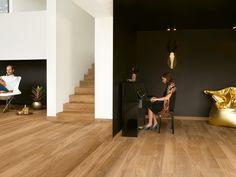 Quick-Step Parketvloer - Palazzo 'Eik héritage natuur mat' in een moderne woonkamer. Wood Parquet, Parquet Flooring, Wooden Flooring, Quick Step Parquet, Quick Step Flooring, Palazzo, Engineered Wood Floors, Living Room Flooring, Kitchen Flooring