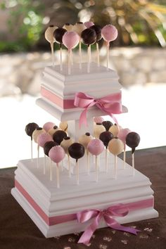 Pretty way to display Cake Pops Cake Pops, Cake Pop Stands, Cake And Cupcake Stand, Cupcake Cakes, 2 Tier Cake, Tiered Cakes, Baby Shower Etiquette, Cake Pop Displays, Fab Cakes