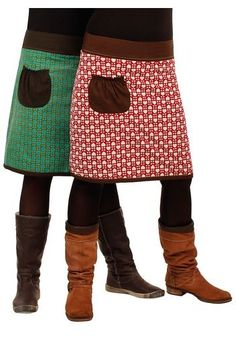 idea to make with old sweater - Tina Nilsson - Mode Trends Diy Clothing, Sewing Clothes, Old Sweater, Sweater Skirt, Recycled Sweaters, Cycling Outfit, Free Sewing, Sewing Hacks, Toddler Boy Style