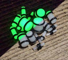 UV reactive plugs, Acrylic, black light, ear gauge stretching kit. 9 pieces by EquitasMundi on Etsy
