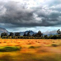 Atardecer por carreteras de Cundinamarca, Colombia.