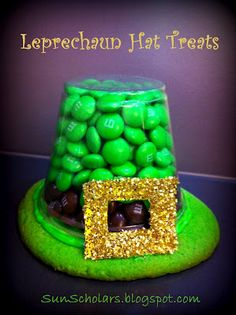 Leprechaun Hat Treats - These are so simple to make, and make a great treat for St. And a idea great little presents for teacher St Patricks Day Crafts For Kids, St Patrick's Day Crafts, Fun Crafts, Preschool Crafts, March Crafts, Good Enough, Holiday Treats, Holiday Fun, Holiday Candy