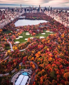 Central Park New York can find Central park and more on our website.Central Park New York Central Park New York, Parks In New York, Cool Places To Visit, Places To Travel, Travel Destinations, City Aesthetic, Travel Aesthetic, Autumn In New York, Destination Voyage