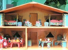 Susan's Mini Homes: There's a new house in Mindolton The FAO Schwarz Peasant dollhouse!