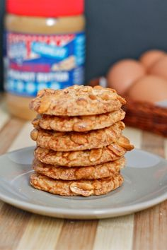 crispy flourless Peanut Butter Cookies- A delicious, super simple cookie recipe which is less than 5 ingredients and one bowl only!