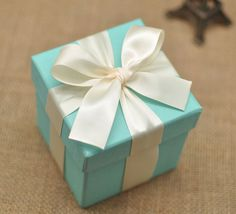 Tiffany Blue Wedding Favor Candy Box with ivory ribbon bow , DIY  Party Paper Favor Box , Candy Box with Ribbons and Flowers,Tiffany Blue