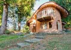 Schattig sprookjeshuis gemaakt van duurzame materialen