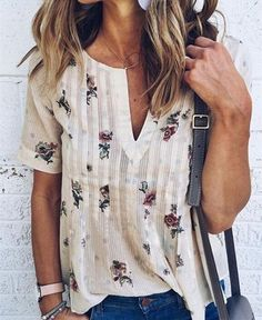 Love the blouse! Color and pattern.Cream blouse with floral print. Stitch fix fall Fall fashion trends and inspiration. Floral Tops, Floral Shorts, Floral Prints, Floral Patterns, Floral Style, Floral Blouse, Stitch Fix Outfits, Short Sleeve Blouse, Shirt Sleeves