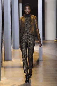 John Galliano - #PFW Fall/Winter 2015/2016 www.so-sophisticated.com