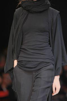 Yohji Yamamoto at Paris Spring 2009 (Details)