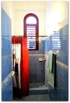 Detalle del baño. Bathtub, Bathroom, Apartments, Flats, Shared Bathroom, Beds, Standing Bath, Washroom, Bathtubs