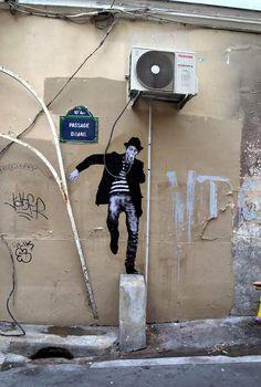 Levalet street art paris (5)