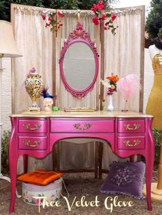 Love this color!Jessica rabbit by thee velvet glove Pink Furniture, Hand Painted Furniture, Shabby Chic Furniture, Turquoise Furniture, Shabby Chic Homes, Shabby Chic Decor, Vanity Table Vintage, Vanity Tables, Table Mirror