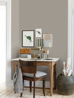 The wallpaper Subtle - 4633 from Boråstapeter is a wallpaper with the dimensions x m. The wallpaper Subtle - 4633 belongs to the popular wallpaper col Decor, Furniture, Interior, Grey Wallpaper, Classic Wallpaper, Entryway Tables, Home Decor, Vallentuna, Popular Wallpaper