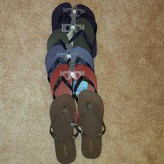 Mens flip flops Mens-flip flops-5 pair (3rd pair have couple punctures by toe area) Old Navy & Asst. Shoes Sandals