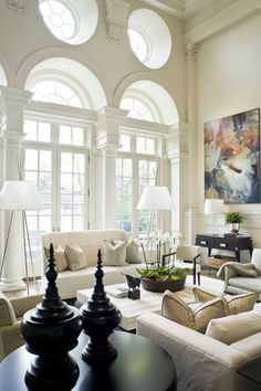 Glamorous Interior House Design With Cream Tons #Interiorhousedesign #livingroomideas #diningroomideas living room interior design, dining room interior design, interior design tips   See more at http://brabbu.com/blog/2016/03/glamorous-interior-house-design-with-cream-tons