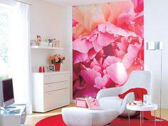 Pink floral backdrop. art of interior design