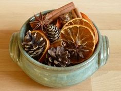 Christmas potpourri - I'll try slicing and drying the juice oranges growing in the back yard that are not juicy in the least. - How to make potpourri - finished potpourri in bowl