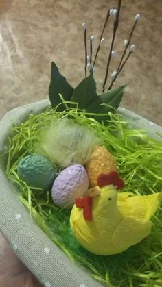 Easter basket variation by @yuseiferlia  A good idea for an easter present which may be filled with eggs and sweets to your liking  Enjoy :)