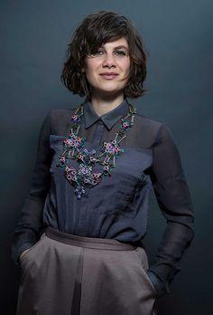 Paulina Tsvetanova with necklace by Svenja John. Jewelry: Galerie Oona, Berlin. Photo Anka Bardeleben.