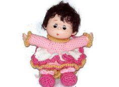 Crochet Yarn Doll Made With Vintage Head & Hands door amydscrochet