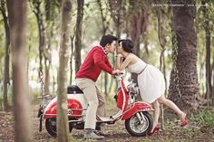 All Out for Love - red vespa Motorcycle Engagement Photos, Motorcycle Couple, Motorcycle Wedding, Wedding Photography Styles, Wedding Photography And Videography, Couple Photography, Vespa Wedding, Red Vespa, Vespa Lambretta
