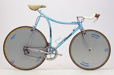 Five of the Strangest Road Bikes of All Time - http://capovelo.com/the-5-strangest-road-bikes-of-all-time/