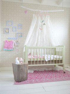 Binnenkijken babykamer: Frivole. Schattige babykamer voor een meisje!
