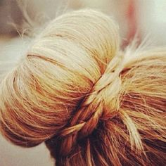 Let me preface this post by saying I do not hate the Sock Bun. I LOVE the Sock Bun. I would even live for the Sock Bun if , I could do it. My Hairstyle, Pretty Hairstyles, Braided Hairstyles, Holiday Hairstyles, Trending Hairstyles, Gown Hairstyles, Hairstyle Wedding, Amazing Hairstyles, Fashion Hairstyles