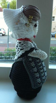 Mijn Zeeuws boerinnetje een beetje van mezelf en een beetje van Christel Krukkert Knitted Dolls, Crochet Dolls, Crochet For Kids, Crochet Baby, Amigurumi Toys, Traditional Dresses, Art Dolls, Needlework, Diy And Crafts