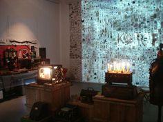 Installazione 2009, materiali di scarto, Emanuele Giannelli http://musapietrasanta.it/content.php?menu=artisti