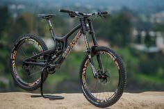 Custom 27.5 Santa Cruz V10cc - Troydon_Murison's Bike Check - Vital MTB