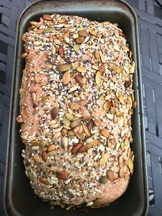 As a typical bread-loving Norwegian, it can be difficult to live in a country that is protein obsessed and deathly afraid of carbs. But it didn't stop me from making today's recipe of …